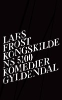 Teksten obstrueres indefra, når Lars Frost lader strukturelle og genremæssige eksperimenter være det gitter, som læseren ikke kan kigge igennem. Og jeg vil ellers så gerne kigge igennem og læse om både seksuelle eskapader, fejlskud og det ynkelige jegs langsomme forfald.