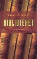 """I seks små historier vendes den argentinske forfatter Jorge Luis Borges' berømte novelle """"Biblioteket i Babel"""" på hovedet. Fortællestilen er stram som hos Hemingway, og krydret med lige dele Umberto Eco, Gabriel García Márquez og en god portion humor. Dette er magisk realisme på højt plan."""