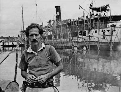 Den unge Herzog under optagelserne af filmen Fitzcaraldo (1982).
