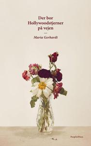 En kræftsygdom, ulykkelig lesbisk kærlighed og det vilde liv som DJ. Den næsten lidt for perfekte opskrift til en fængende historie. Men Maria Gerhardt får det til at flyde ubesværet i hendes debutroman, DER BOR HOLLYWOODSTJERNER PÅ VEJEN.
