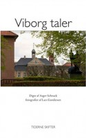 Digteren Asger Schnack og fotografen Lars Gundersen har spenderet en dag i Viborg. Det har affødt nogle fotografier af byen og nogle digte om alt muligt. Alt andet end Viborg fristes man til at sige. Digtene mangler desværre en anelse, og billederne mangler sådan cirka alt.