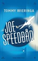 Den hollandske forfatter Tommy Wieringa har skrevet en rørende, morsom og komplet absurd dannelsesfortælling om den lamme teenager Fransje, hans bedste ven Joe Speedbåd og deres liv i den lille landsby Lomark.