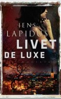 Den svenske forfatterstjerne Jens Lapidus er tilbage med endnu en underholdende thriller om Stockholms kriminelle underverden.
