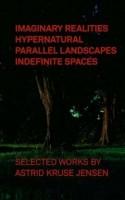 Forladte egne, ensomme kvindeskikkelser og imaginære landskaber er det knivskarpt registrerede omdrejningspunkt i Astrid Kruse Jensens dragende fotoværker.