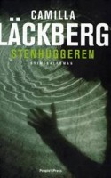 Moderkærlighed – og især fraværet af den – er omdrejningspunktet for Camilla Läckbergs seneste kriminalroman, som er hendes hidtil bedste.