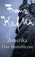 Flot urovækkende, klaustrofobiske beskrivelser af New York og dens indbyggere danner rammen om en ung mands forsøg på at skabe en tilværelse i landet Kafka aldrig selv besøgte.