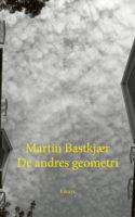 'Fascineret, lydhør, forelsket, overtaget, grådig og hengiven'. Martin Bastkjærs beskrivelse af Amalie Smiths forfatterskab siger også noget om hans egne essays forhold til litteratur.